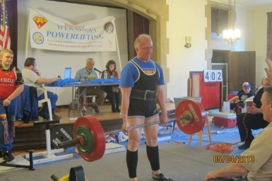 old man powerlifter